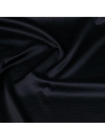Juodas poliesteris